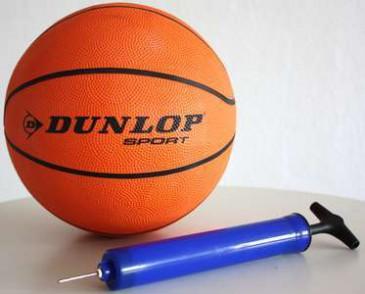 Dunlop Basketball + Ballpumpe